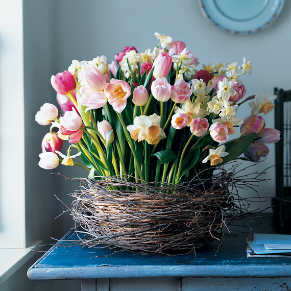 Here's What Each of the Most Popular Easter Flowers Symbolize