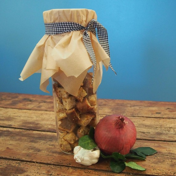 pantry-gifts-croutons-0215
