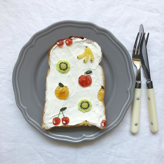 toast-art-mixed-fruits