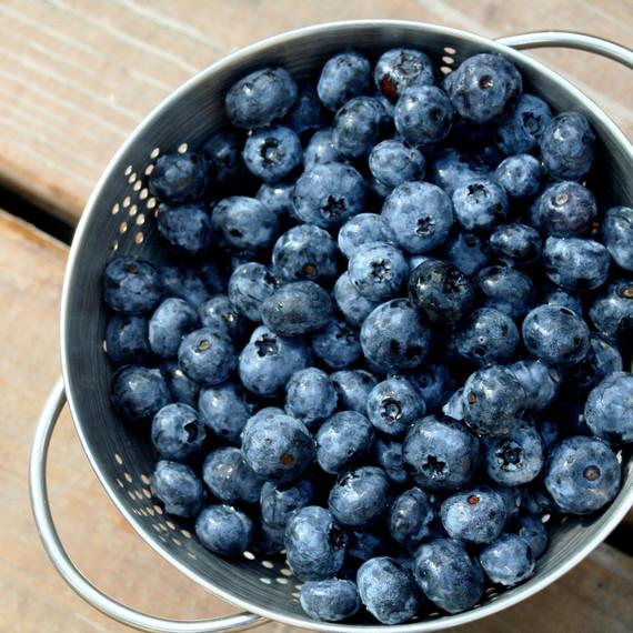 fresh-blueberries-bowl-0515.jpg