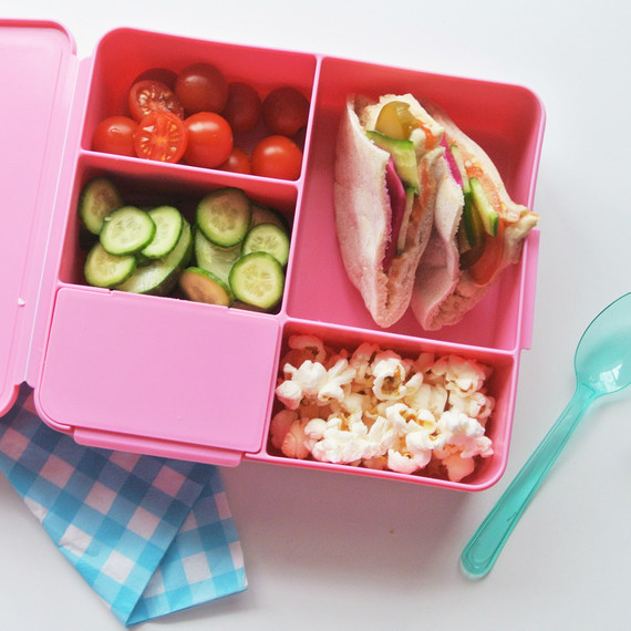 hummus-lunchbox-school-1016.jpg (skyword:223266)