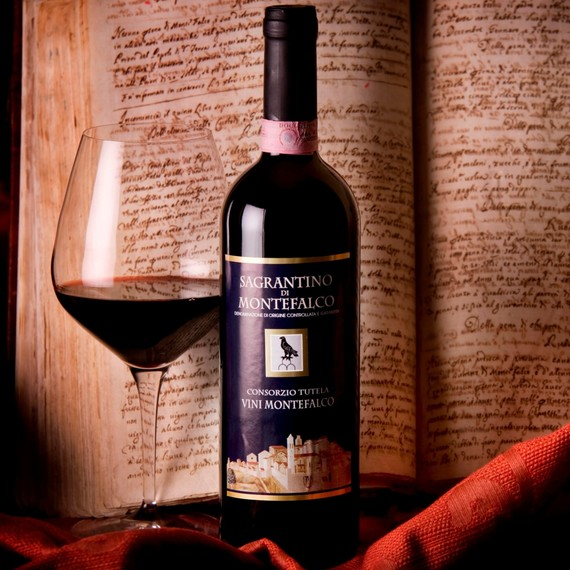 sagrantino-wine-bottle-1216.jpg (skyword:380227)