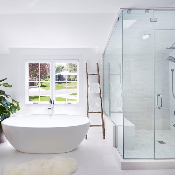 simple-modern-bathroom-1116.jpg (skyword:362790)