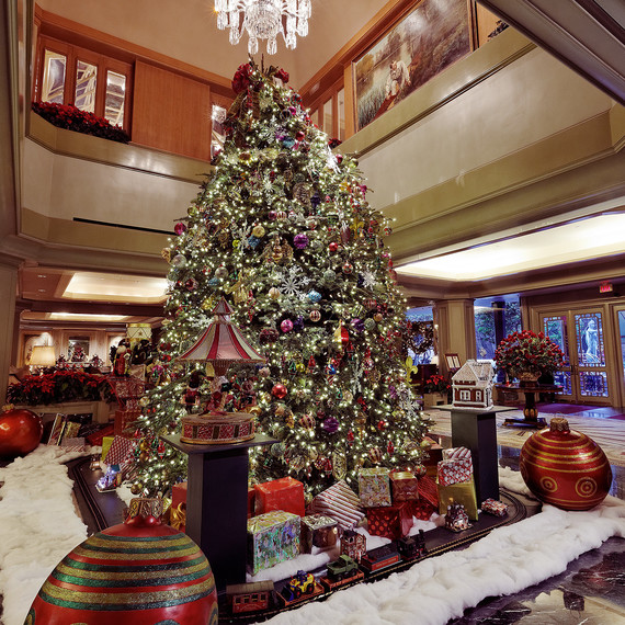 windsor hotel holiday decor