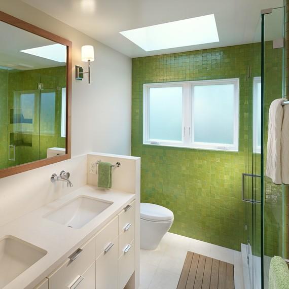 bright-bathroom-remodel-0916.jpg (skyword:342418)