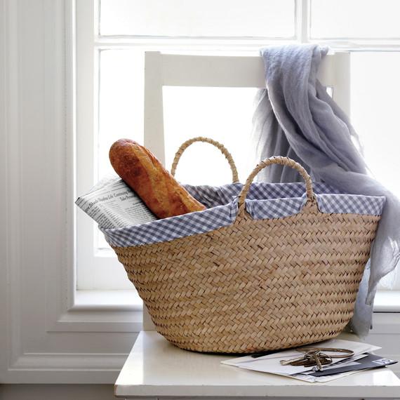 gingham-basket-1011mld107505.jpg