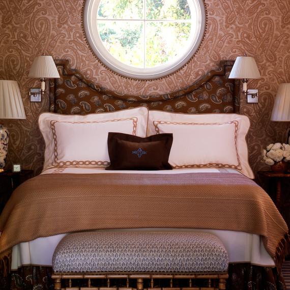 leotine-linen-brown-bed-0414.jpg