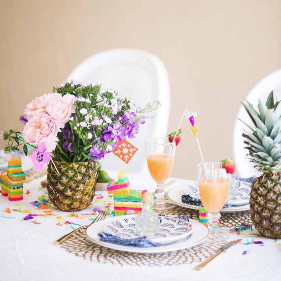 pineapple-flower-centerpiece.jpg