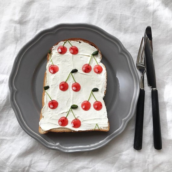 toast-art-mini-cherries