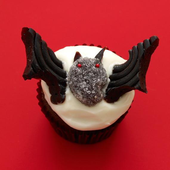 vampire bat cupcake