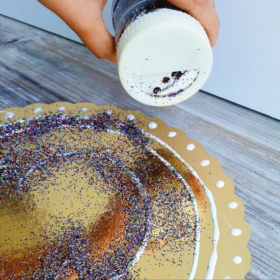 cardboard-shield-glitter-0515