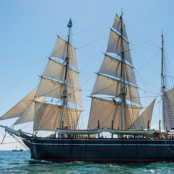 charles-w-morgan-sailing-0614.jpg