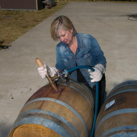 kathleen-inman-winemaker-0217.jpg (skyword:402916)