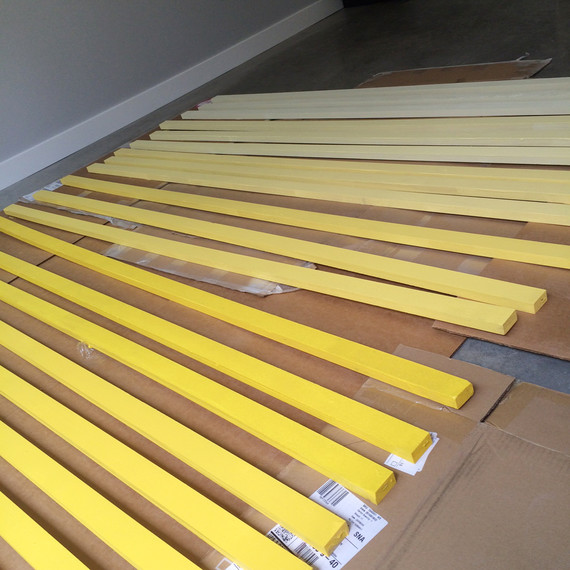 yellow-ombre-headboard-5-0915.jpg (skyword:189491)