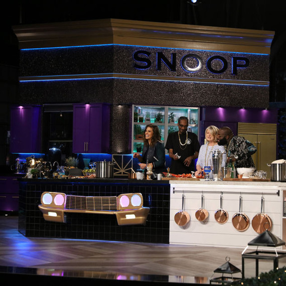 Martha and Snoop with Ashley Graham and Rick Ross in the kitchen
