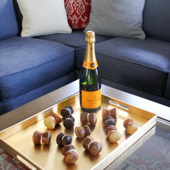 champagne-corks-full-view-0316.jpg (skyword:235241)