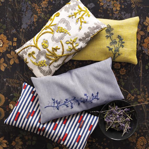 embroidery-sachets-018-d111671.jpg