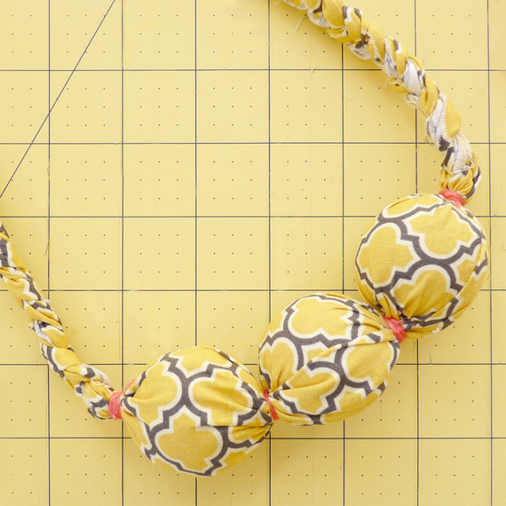 fabric-bead-necklace-2-tm-1114.jpg