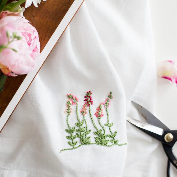 floral-embroidery-pattern-6_27_16-6805.jpg (skyword:295582)