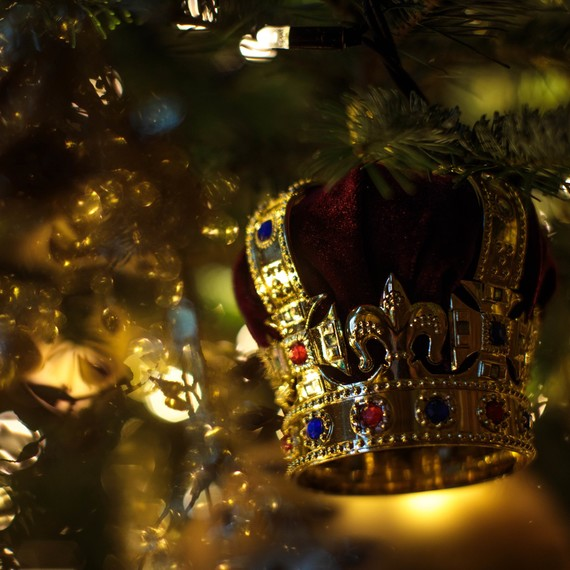 Queen Elizabeth's Christmas Tree is a Sight to Behold at Windsor Castle