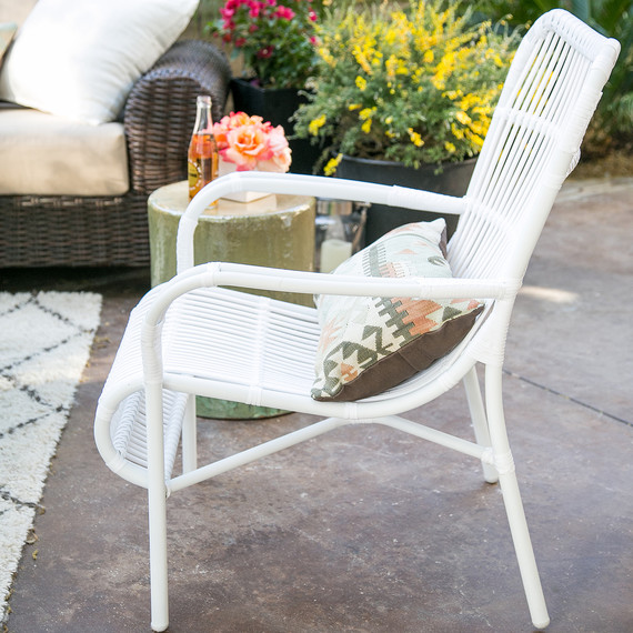 10-backyard-patio-makeover-0116.jpg (skyword:220563)