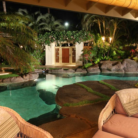 Obama-Hawaii-home-pool