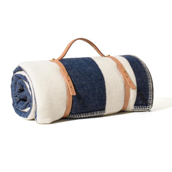 blanket-holder-silo-268-d111981.jpg
