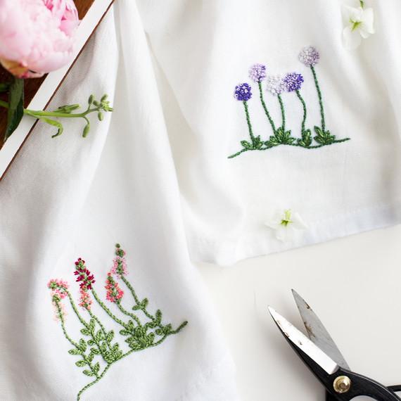 embroidered-flower-pattern-6832.jpg (skyword:295569)