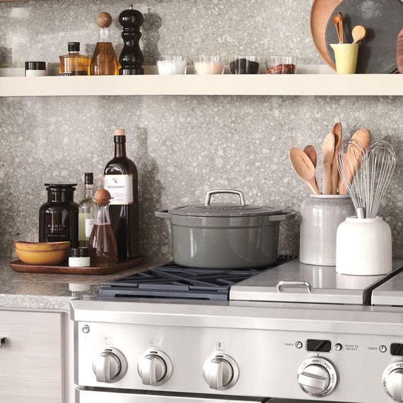 kitchen-stove-and-shelf-d111408.jpg