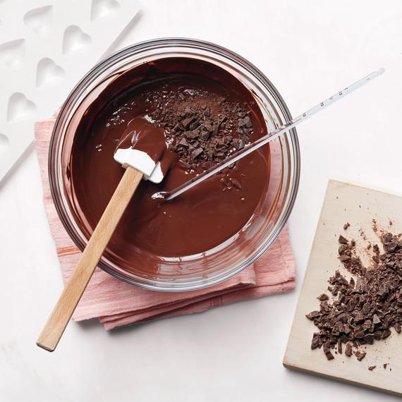 tempering-chocolate-105-d111651.jpg