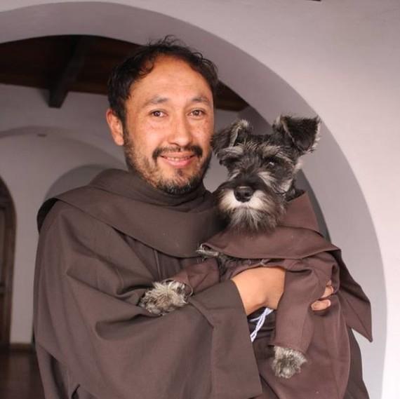 Carmelo the friar dog