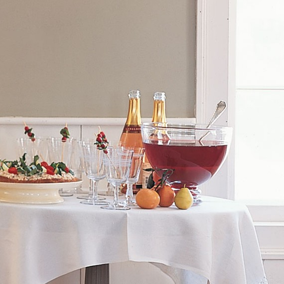 cranberry-pomegranate-punch-1216.jpg (skyword:373199)