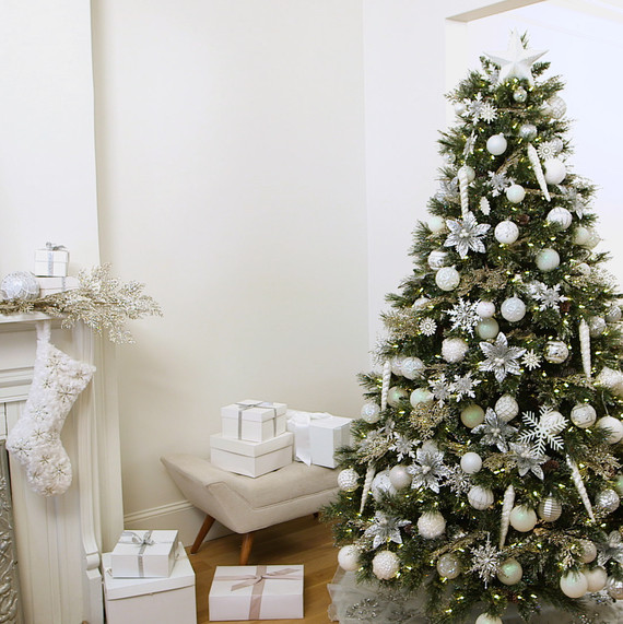 How To Decorate A Winter White Christmas Tree Martha Stewart