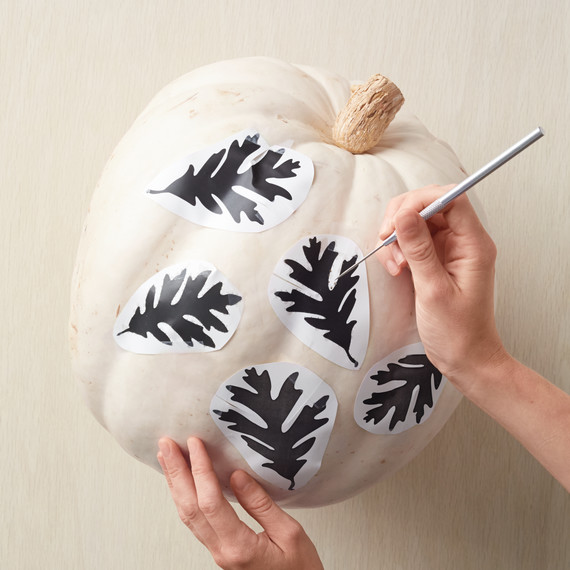 carved-pumpkin-how-to-183-d112257.jpg