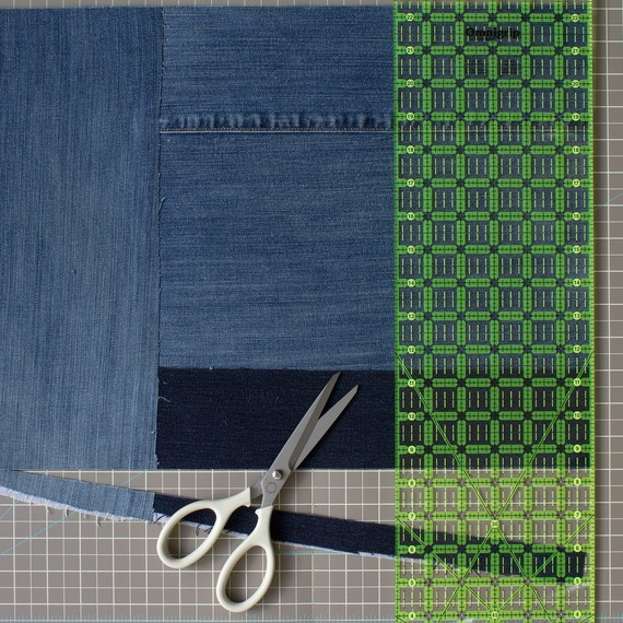 david_stark_design_denim_placemat_squareup.jpg (skyword:359915)