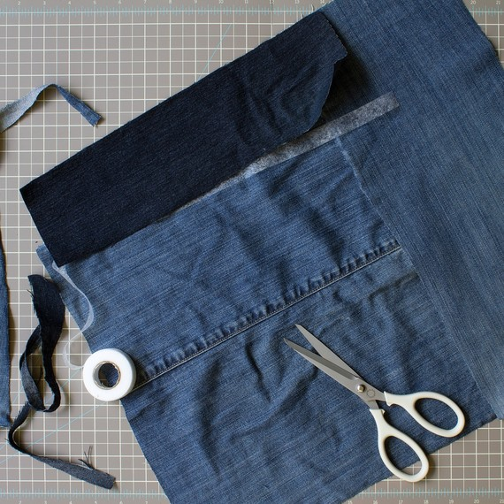 david_stark_design_denim_placemat_stitchwitchery.jpg (skyword:359913)