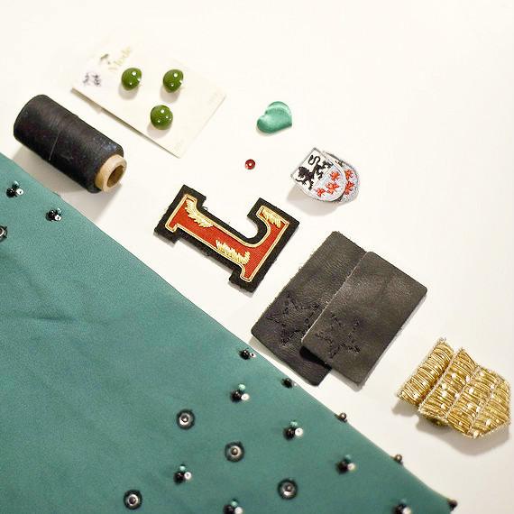 embellished-bomber-jacket-1121019.jpg (skyword:368262)
