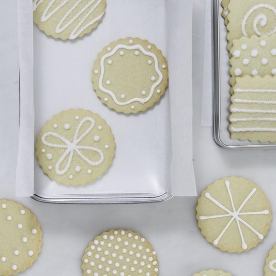 food-gift-cookes-tin-0617-6378406