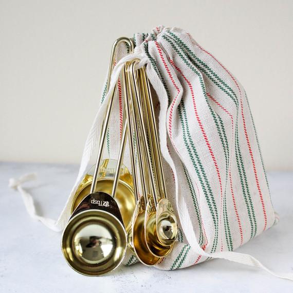 giftwrapping-measuringspoons-1216.jpg (skyword:364504)