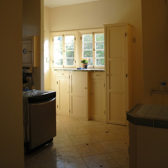 leslie-wood-kitchen-before-3-0316.jpg (skyword:237189)