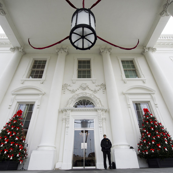white house obama christmas front