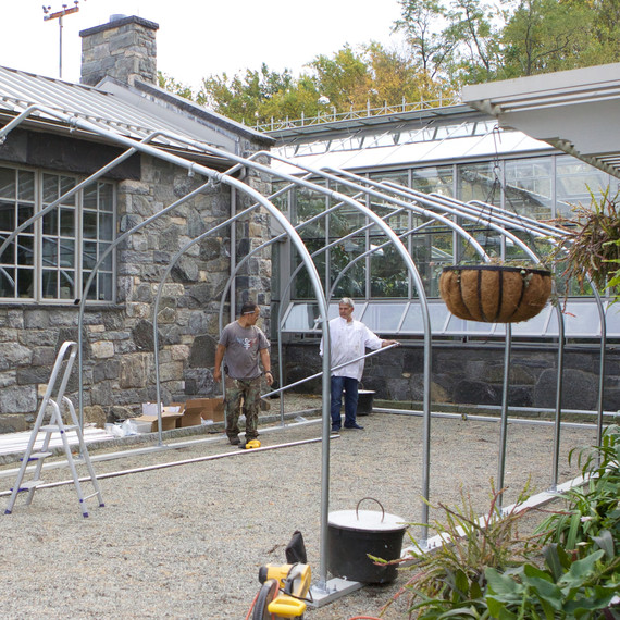 buildingnewgreenhouse-0404-fs-1014.jpg