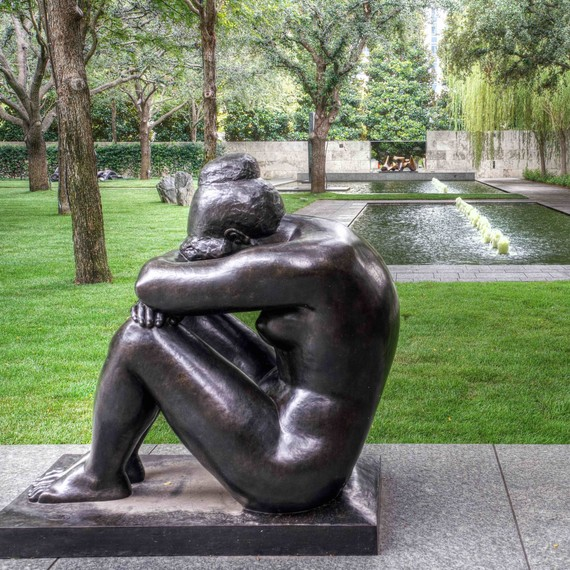 nasher-sculpture-garden-woman
