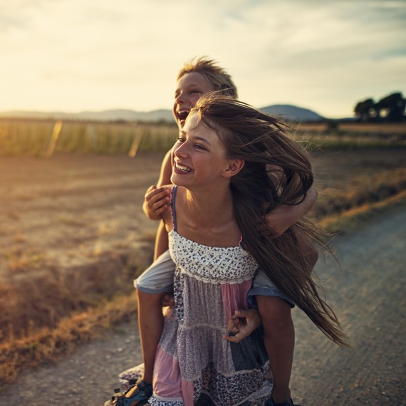 Study Suggests That Having a Sister Could Actually Be Good for Your Mental Health