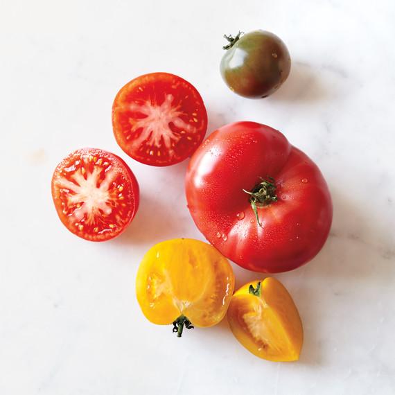 beefsteak-tomatoes-silo-012-d111149.jpg