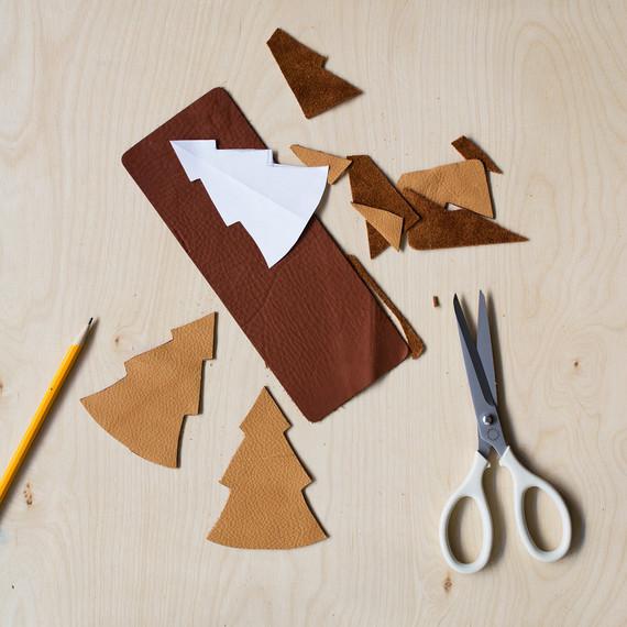david_stark_design_leather_ornament_cutout.jpg (skyword:372619)