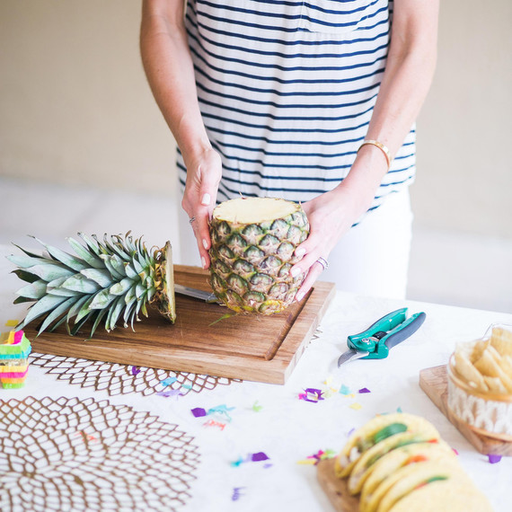 pineapple-flower-centerpiece-step-1.jpg