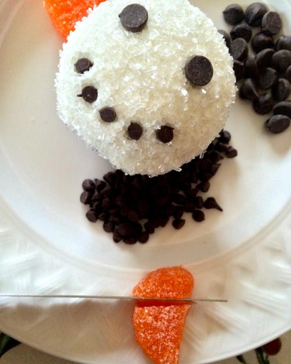 realitybites-snowman-cupcake-7-1214.jpg