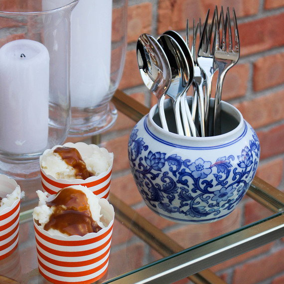 thanksiving-silverware-barcart-1116.jpg (skyword:364493)