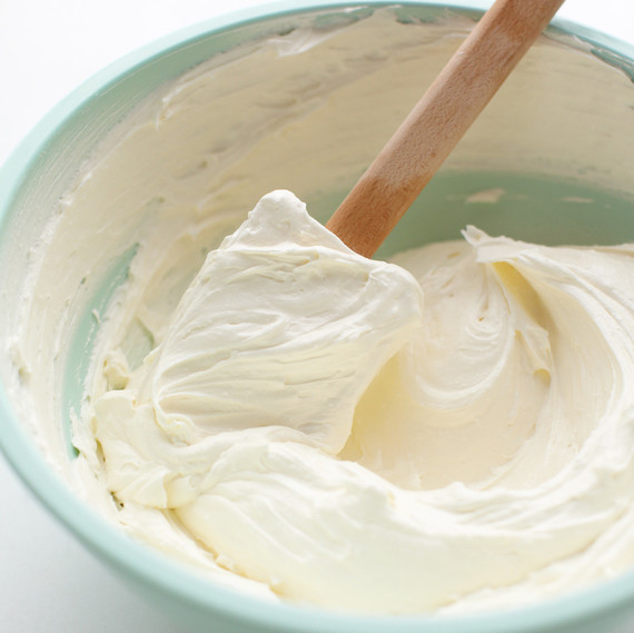 Frosting and Icing: What's the Difference Between These Two Sweet Toppings?